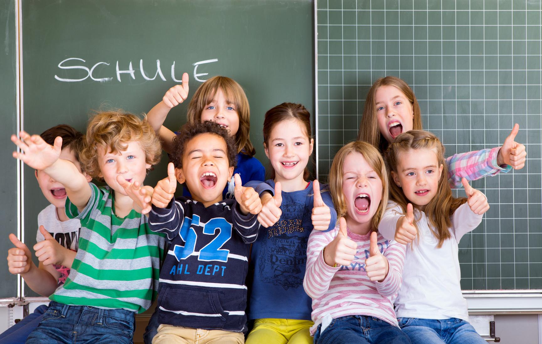 Rheuma: Kinder, Schulkinder freuen sich