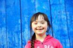 Rheuma: Mädchen lächelt
